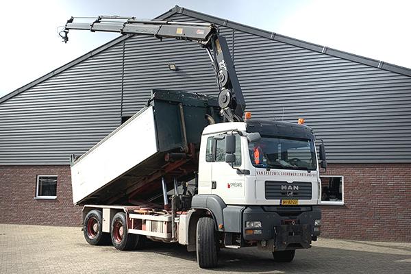Foto-Vrachtwagen---Van-spreuwel-grondwerken